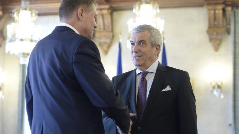 """Cade Guvernul Orban? Tăriceanu: """"Iohannis o caută cu lumânarea"""""""