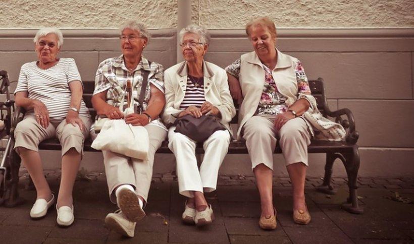 Românii care nu pot ieşi la pensie îşi pot cumpăra ani de muncă. Cine beneficiază de noua lege