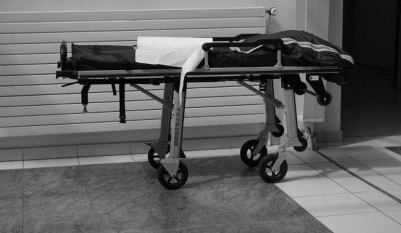 """Sora unei femei care a murit suspectă de COVID-19 rupe tăcerea: """"A murit ca un câine. Ați uitat să mai fiți oameni!"""""""
