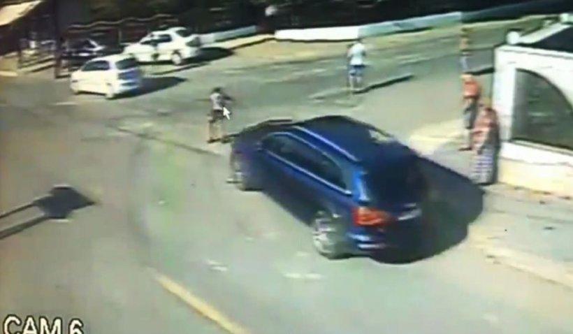 Tânăr spulberat de un Q7 și aruncat în mașina Poliției în timpul scandalului din Murgeni