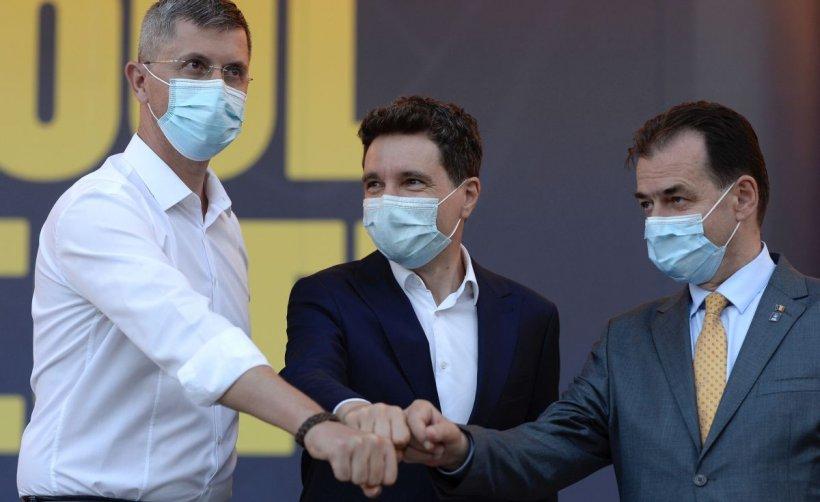 """Nicuşor Dan a dat startul campaniei în Piaţa Victoriei, împreună cu Orban şi Barna. """"Am ales acest loc, pentru că oamenii au strigat aici că este zonă liberă de pesedism"""""""