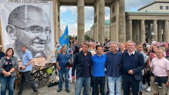 Nepotul lui John F. Kennedy, discurs fulminant la Berlin: Guvernul adoră pandemiile și le iubesc din aceleași motive pentru care iubesc războiul