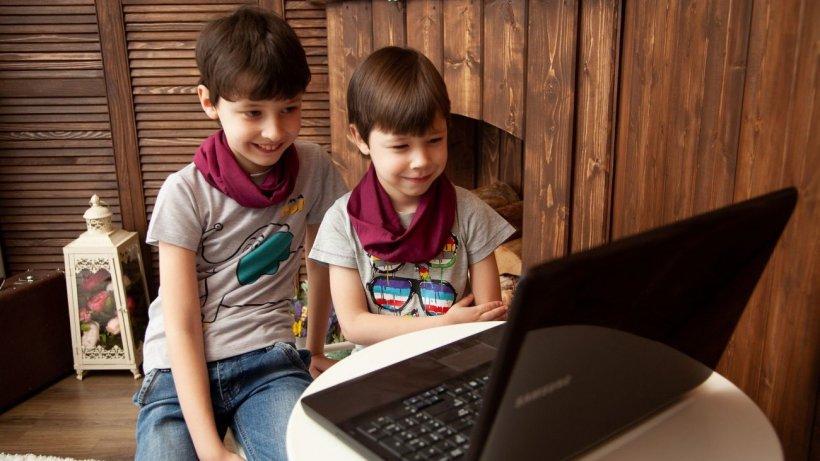 Navigarea pe internet poate fi extrem de periculoasă! Peste 2500 de copii din România au căzut pradă pedofililor din mediul online