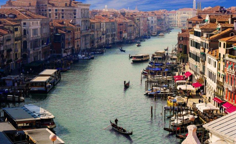 Noi restricţii pentru românii care merg în Italia. Care sunt regulile care se aplică de luni