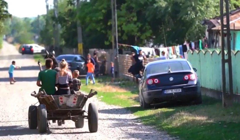 Orașul din România fără apă, canalizare și asfalt în care locuitorii trăiesc ca în comunism