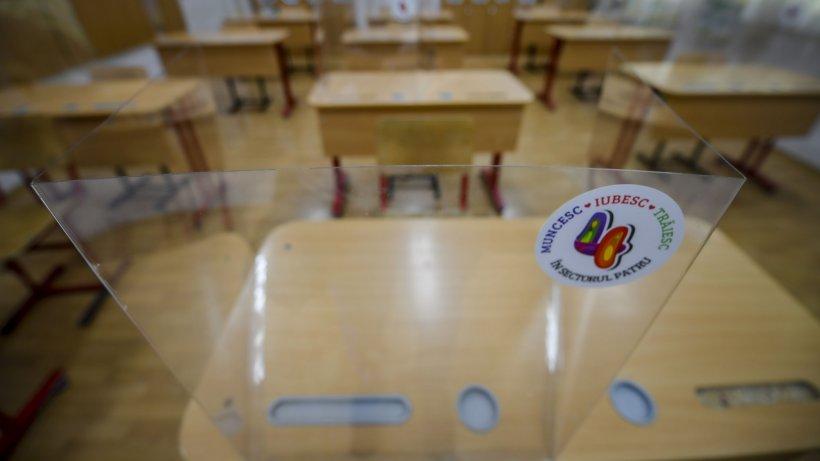 HARTĂ. Scenariile în care se încadrează fiecare localitate din România pentru începerea școlii. Judetele unde elevii vor învăța doar online