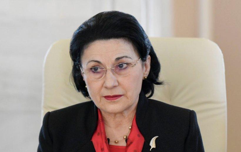"""Ecaterina Andronescu: """"Școala online nu poate înlocui școala cu prezență fizică, nu poate să fie o alternativă"""""""
