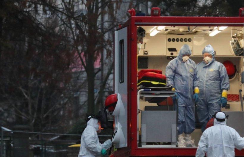 O fată de 19 ani infectată cu noul coronavirus, violată de paramedic în ambulanță