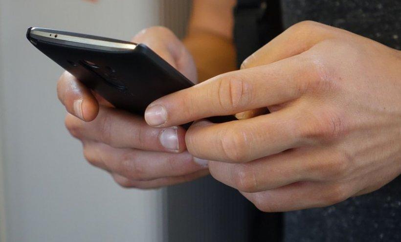 """Probleme tehnice la WhatsApp. """"Dacă găsiți vreun mesaj periculos, nu îl trimiteți mai departe!"""""""