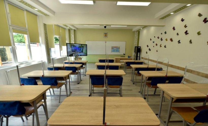 Școală închisă din cauza COVID-19. Elevii vor învăța exclusiv online