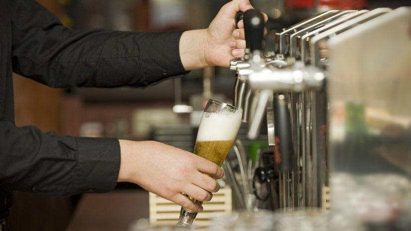 România, fruntașă la consumul de alcool. Ce băuturi preferă românii