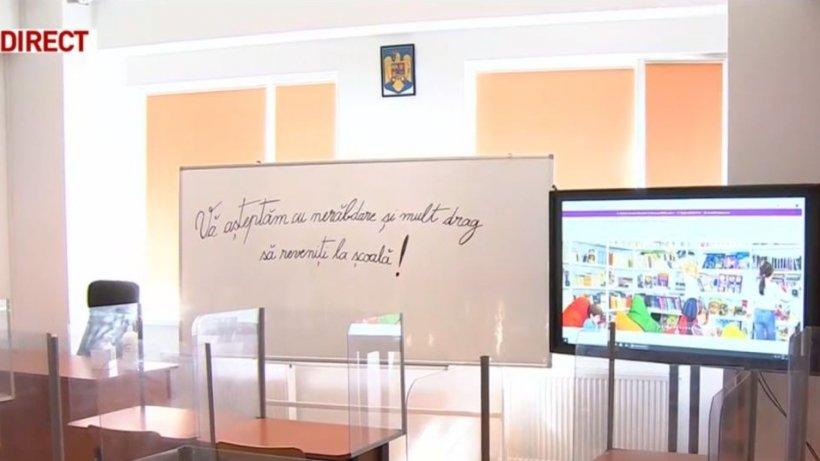 24 de școli din Capitală încep cursurile exclusiv online. Ludovic Orban atenționează