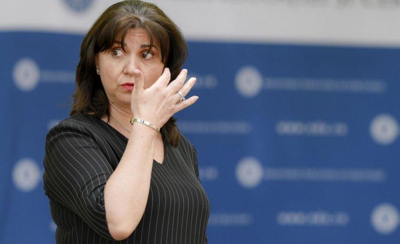Întrebarea bizară cu care ministrul Monica Anisie i-a lăsat cu gura căscată pe jurnaliști