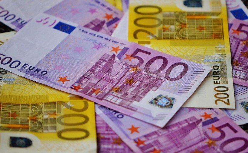Se dau bani pentru români! Cine poate primi 15.000 de euro nerambursabili