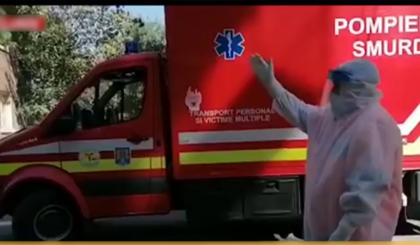 """Ambulanţier revoltat după ce a aşteptat ore întregi cu bolnavii de COVID în maşină: """"Să vină Arafat să rezolve problema"""""""