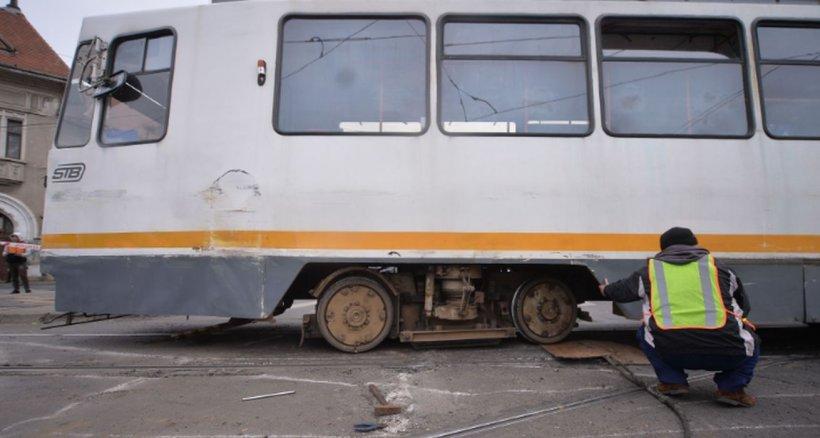 Pieton lovit mortal de tramvaiul 41, în Capitală. E haos în trafic!