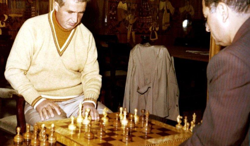 Celebra masă de șah a lui Nicolae Ceaușescu a fost scoasă la licitație. Care este prețul de pornire