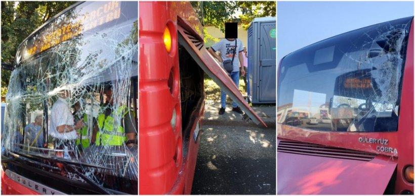 Şofer din Alba, transportat la spital după ce a fost prins între două autobuze