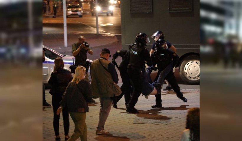 Lukașenko a pus tunurile cu apă pe protestatarii din Belarus după ce și-a luat în primire al 6-lea mandat prezidențial