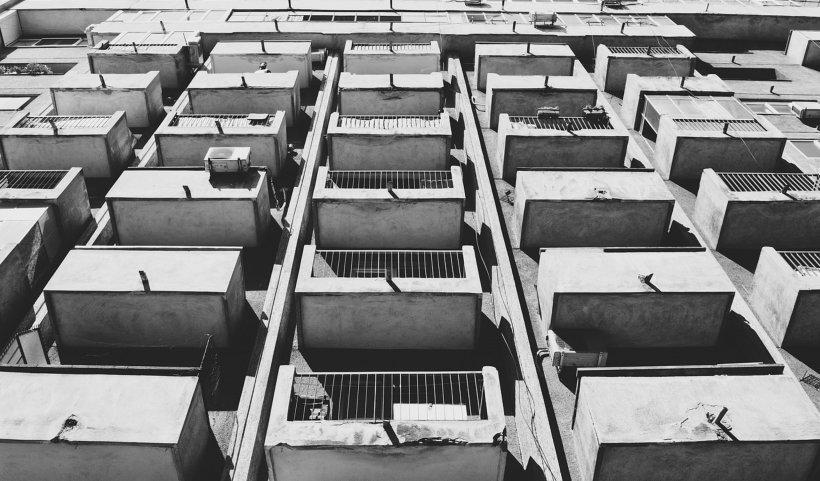 Culmea vizelor de flotant: La 4 adrese din orașul Galați locuiesc 13.000 de persoane