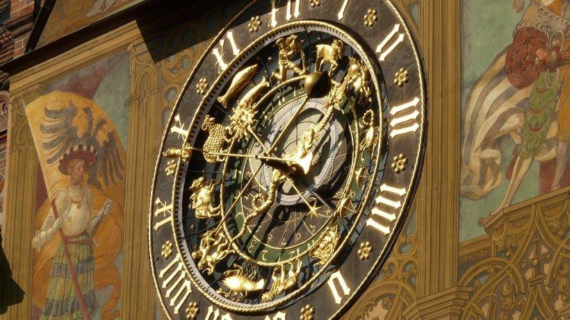 Horoscop de weekend, 26 - 27 septembrie. Berbecii, schimbări pe plan personal, Fecioarele, succes pe toate planurile