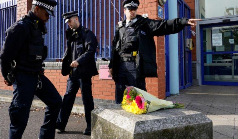 Polițist britanic, ucis de suspectul căruia îi lua temperatura pentru COVID-19. Suspectul, cunoscut ofițerilor anti-terorism