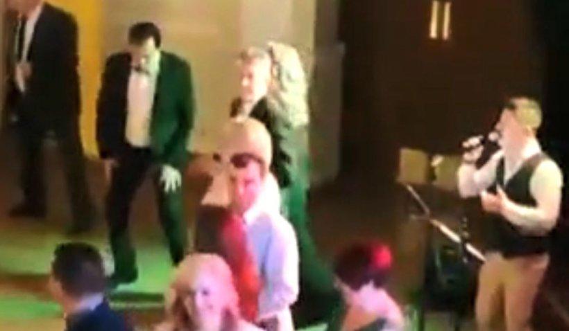 Ludovic Orban, dans fenomenal la un bal în Focșani. Premierul a rupt ringul de dans