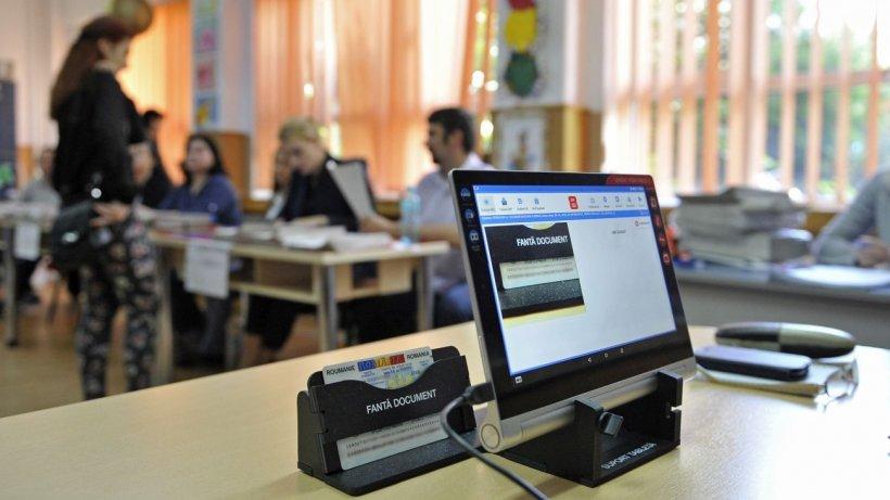 Incidente la vot. Un alegător din Năvodari este cercetat de poliţie după ce a distrus mai multe buletine de vot