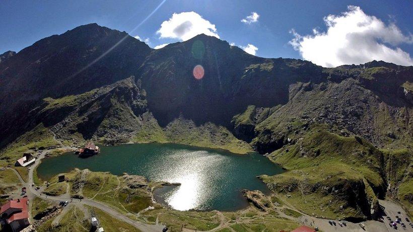 Ministerul Turismului uită să promoveze România. Destinaţii de vis din ţară au parte de zero promovare