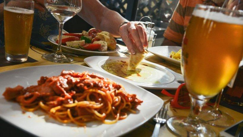Se închid restaurantele și cafenelele în patru localități din Iași