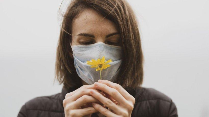 Pierderea mirosului, cea mai bună veste pentru cei care se infectează cu coronavirus