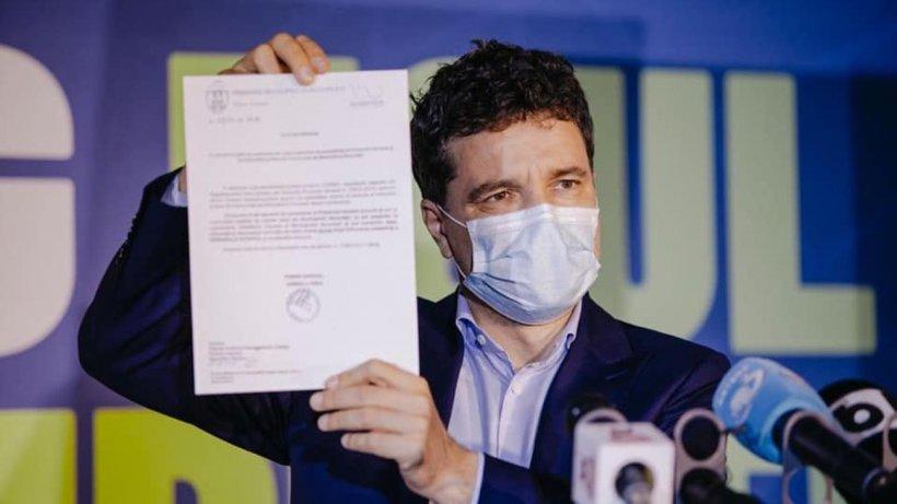 Nicuşor Dan desfiinţează stimulentul de 1.000 de euro al Gabriela Firea pentru donarea de plasmă: ''Este ilegal!''
