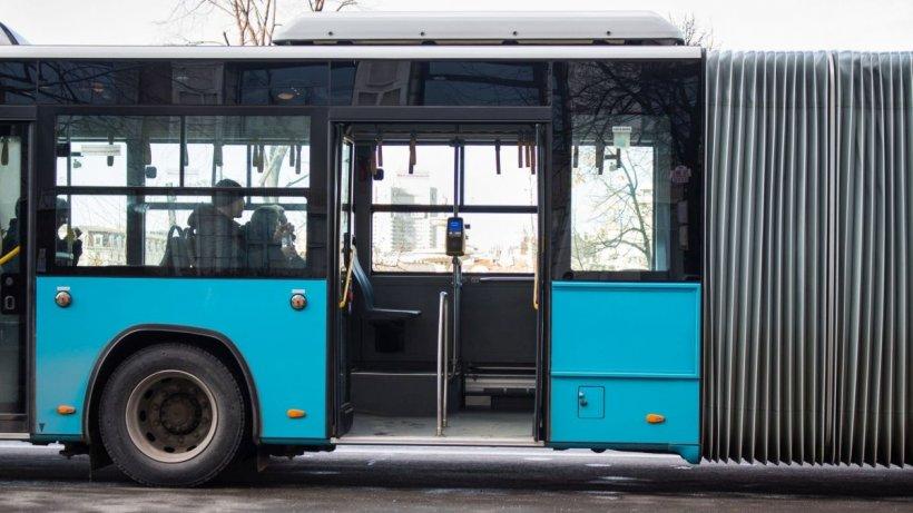 Taxatoare bătută cu bestialitate pentru că a tușit în autobuz
