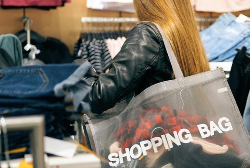 O femeie a furat bunuri din magazine şi le-a vândut. A făcut asta aproape 20 de ani! Cum a fost prinsă