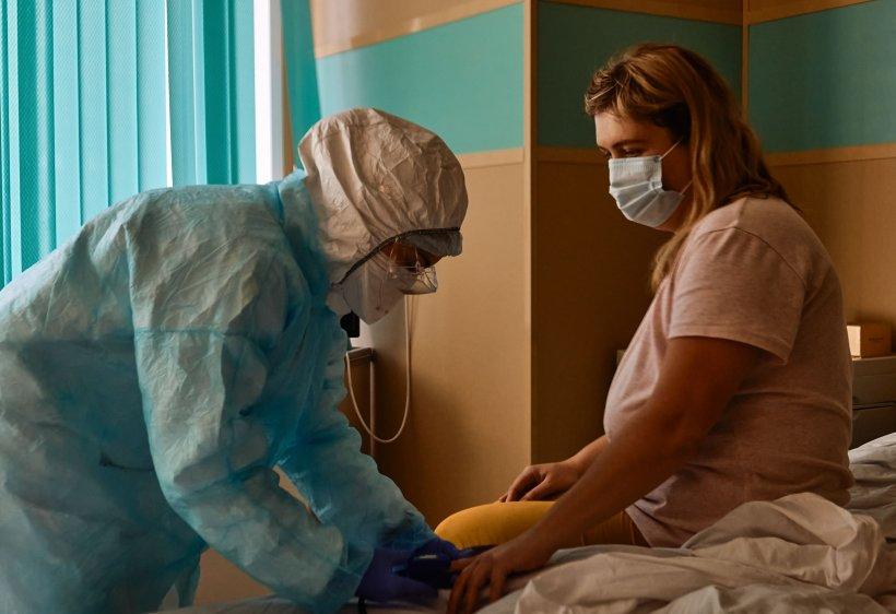 Coronavirus în România, 7 octombrie 2020. Record absolut de infectări, decese și internați la ATI - avem aproape 3.000 de cazuri noi de COVID