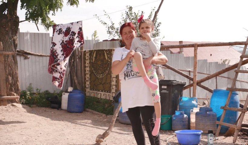 Denisa, fetița căreia medicii i-au dat două săptămâni de trăit, are o nouă șansă la o viață normală