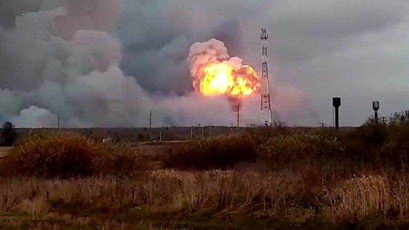 Explozie la un depozit de armament din Rusia. Mai multe localităţi au fost evacuate