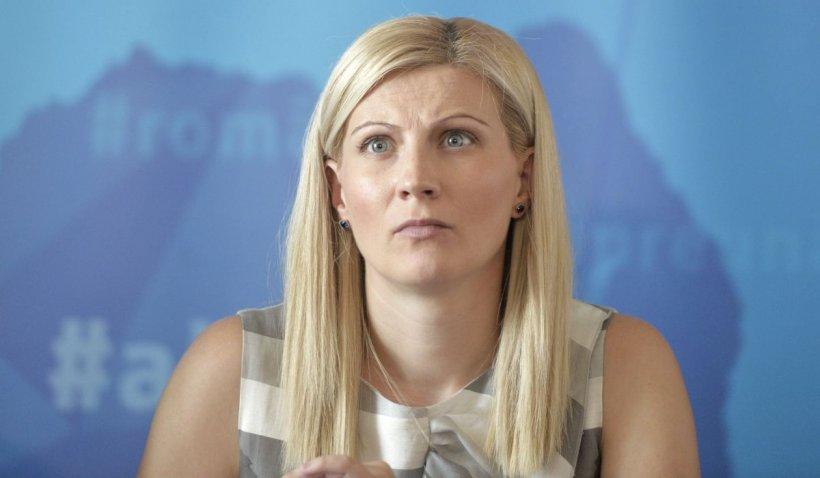 Gabriela Podaşcă: Așa recunoști guvernul liberal - taie pensii, salarii, blochează alocații