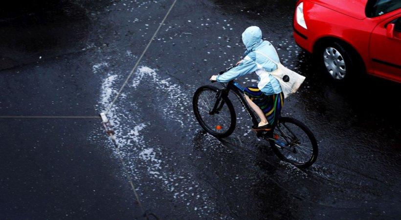 Vremea rea face ravagii! Cod galben de ploi torențiale în foarte multe zone ale țării