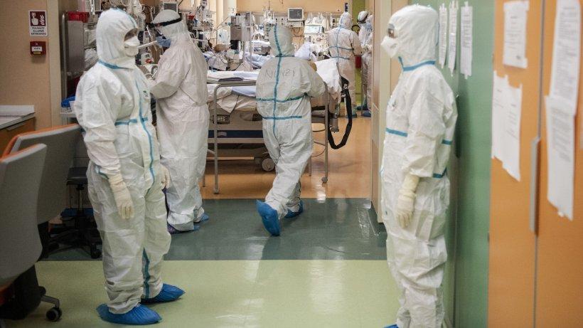 Anunț îngrijorător! Peste 1.200 de cadre medicale infectate cu coronavirus în România