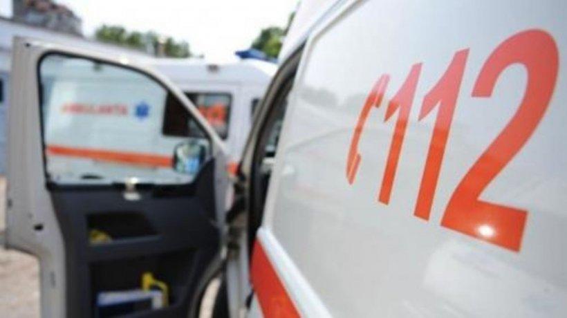 Grav accident cu un microbuz, în apropiere de Bucureşti. Un mort şi şase răniţi