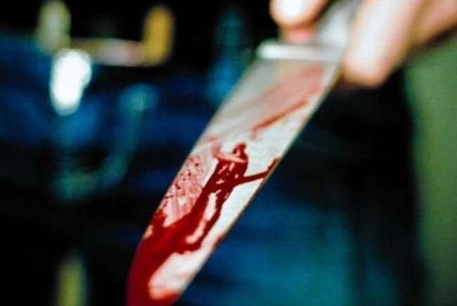 Un copil de 13 ani a înjunghiat de mai multe ori un tânăr! Circ cu socrul și cumnații