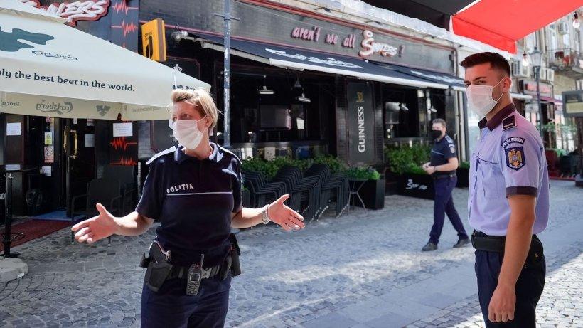 Încă un judeţ unde purtarea măştii de protecţie devine obligatorie pe stradă