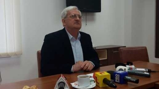 """Un primar din Prahova jignește la ca ușa cortului """"babele"""" care merg la biserică și terorizează localnicii - AUDIO"""