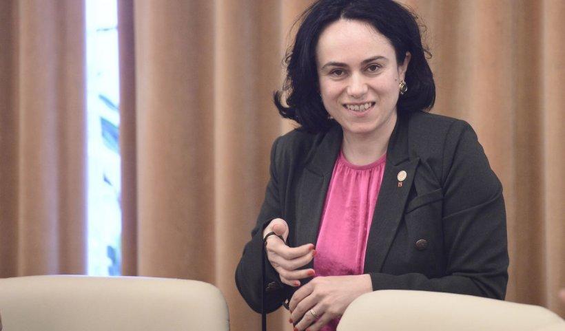 Deputat PSD, internat cu COVID-19. Simona Bucura Oprescu: Protejați-vă de acest inamic invizibil care produce atâta suferință!