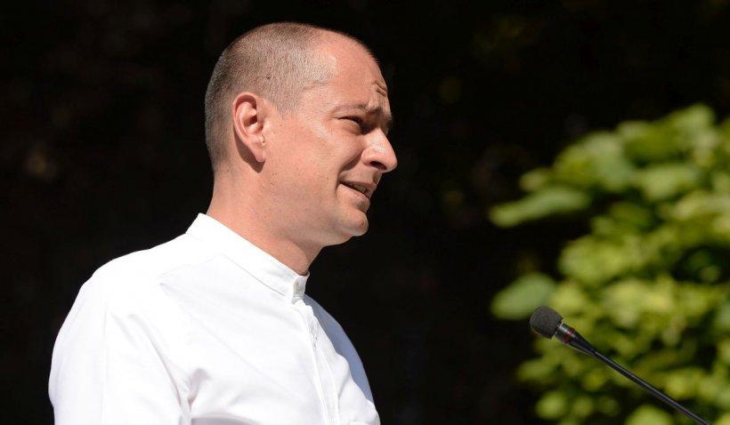Veşti bune pentru locuitorii din sectorul 4. Primarul Daniel Băluţă desfiinţează taxa pe gunoi