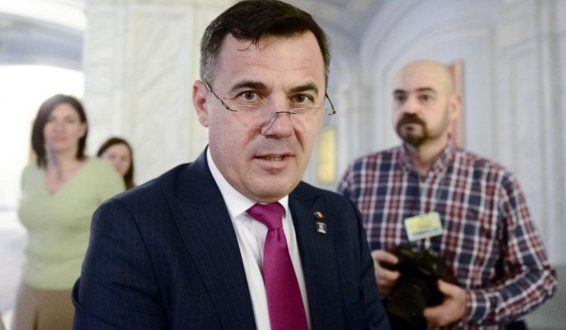 """Ministrul Dezvoltării, Ion Ştefan zis """"Grindă"""", şi-a acordat singur un contract de un milion de lei"""