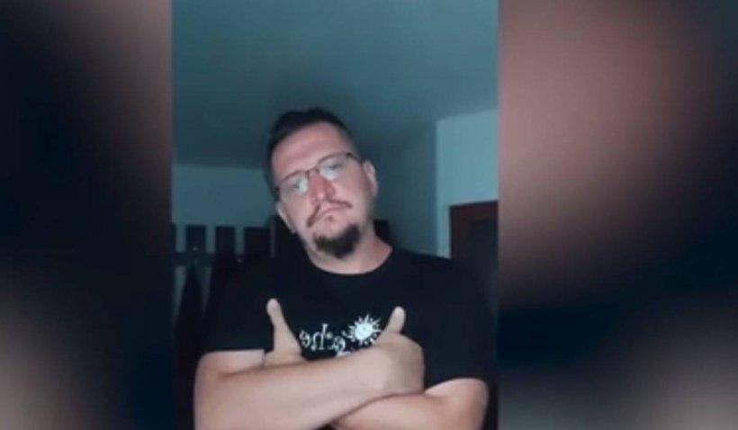 Profesorul de sport care şantaja minore cu fotografii intime a fost arestat. Ce au găsit poliţiştii la domiciliul acestuia