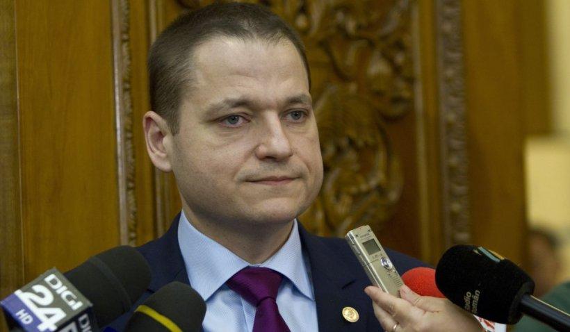 """Mircea Titus Dobre (PRO România): """"Războiul pe ciolan, faza pe medici celebri"""""""