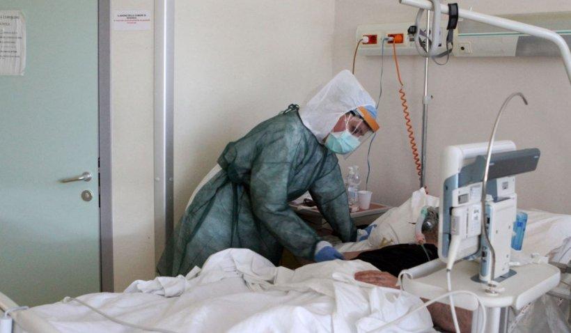 """Povestea impresionantă a asistentei bolnave de cancer care merge la muncă în plină pandemie COVID: """"Asta mă ajută să mai trăiesc. Pacienţii au nevoie de mine"""""""